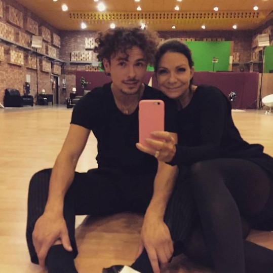 Anna K pilně trénuje s tanečníkem Markem Hrstkou.