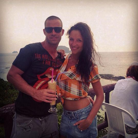 Nikola s manželem Petrem Zvěřinou v Thajsku