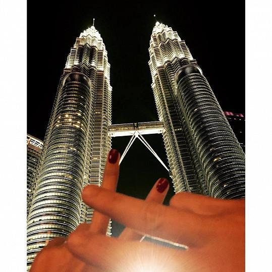 Největší atrakce malajsijské metropole - věže Petronas Twin Towers.