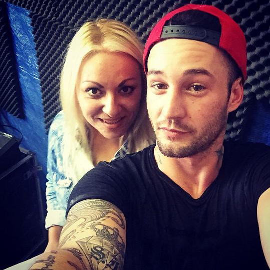 Sámer si s Martinou udělal selfie ve studiu.