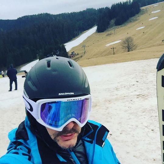 Marian Vojtko ve ski parku Donovaly opravdu lyžuje.