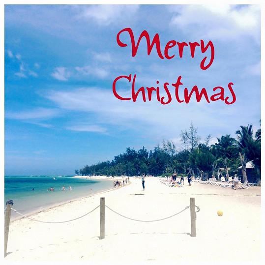 Modelka Martina Dvořáková vytvořila vánoční pozdrav na ostrově Mauritius.