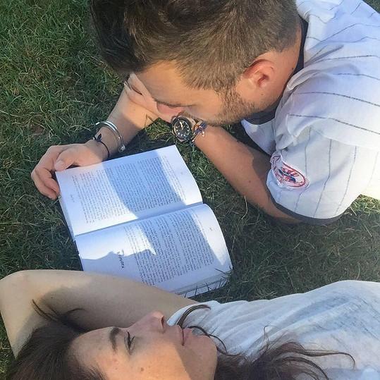 Rádi si spolu prý čtou.