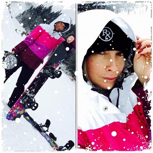 Na snowboardu jezdí pět let.