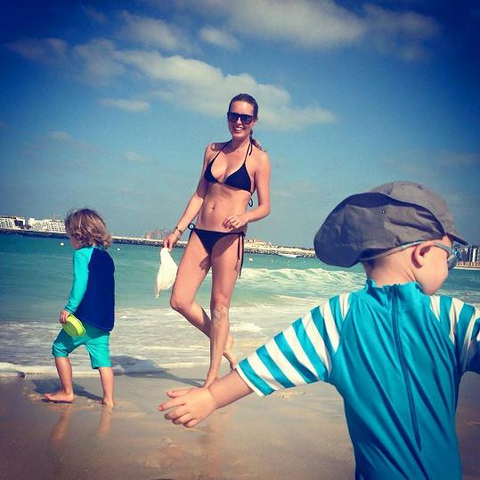Simona Krainová si dovolenou v Dubaji nemůže vynachválit.
