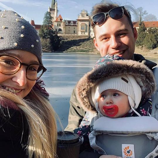 Tereza se svým manželem a dcerou Madlenkou, která oslavila rok.
