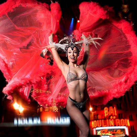 Tereza studovala pedagogiku tance na pražské AMU a současný tanec v Paříži. Jako jediná Češka tančila ve světovém pařížském kabaretu Moulin Rouge.