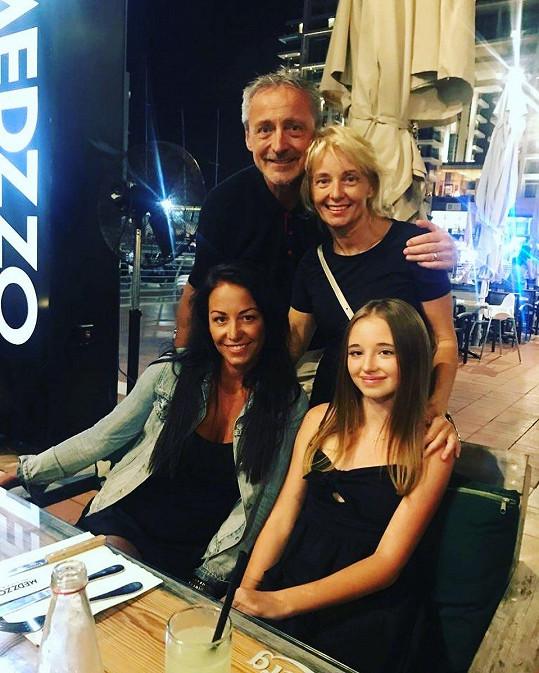 Agáta Prachařová opět odcestovala do Izraele, aby oslavila narozeniny své sestřičky.