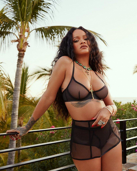 Rihanna už roky úspěšně podniká na poli kosmetiky a módy.