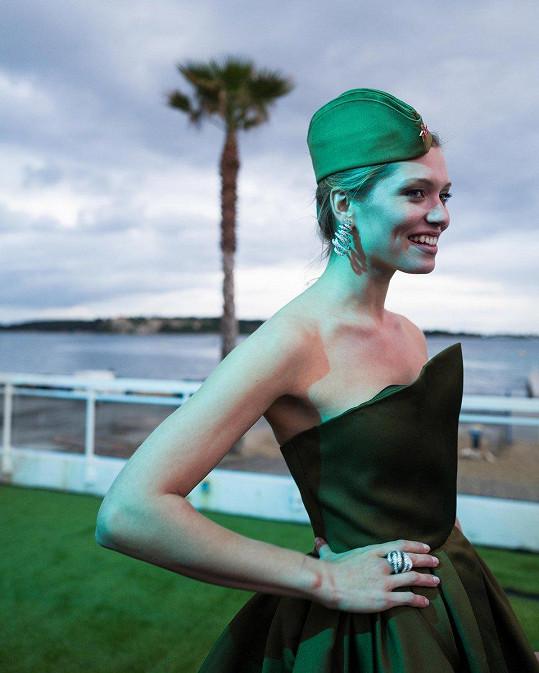 Hana Jiříčková v Cannes jako ambasadorka pro Positive Planet.