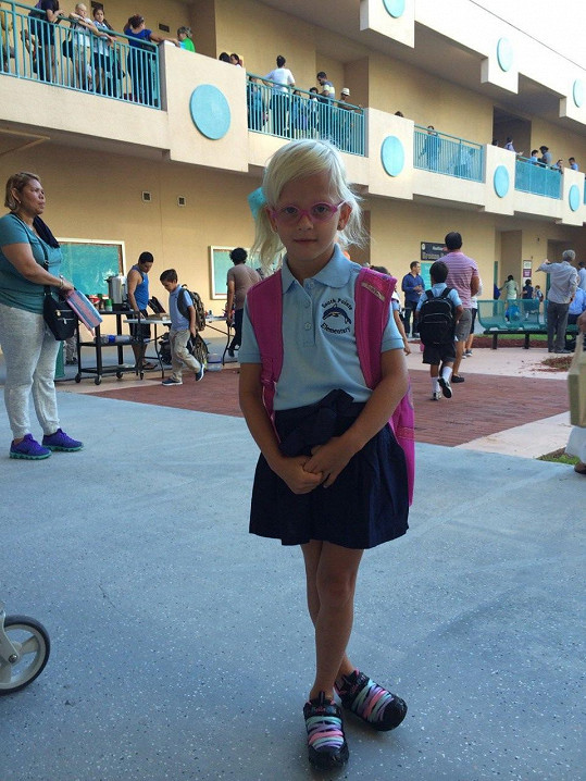 Salma už chodí v pěti letech do školy.