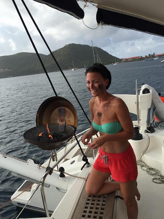 Takhle se na dovolené moderátorka Prásku starala o plné žaludky svých strávníků.