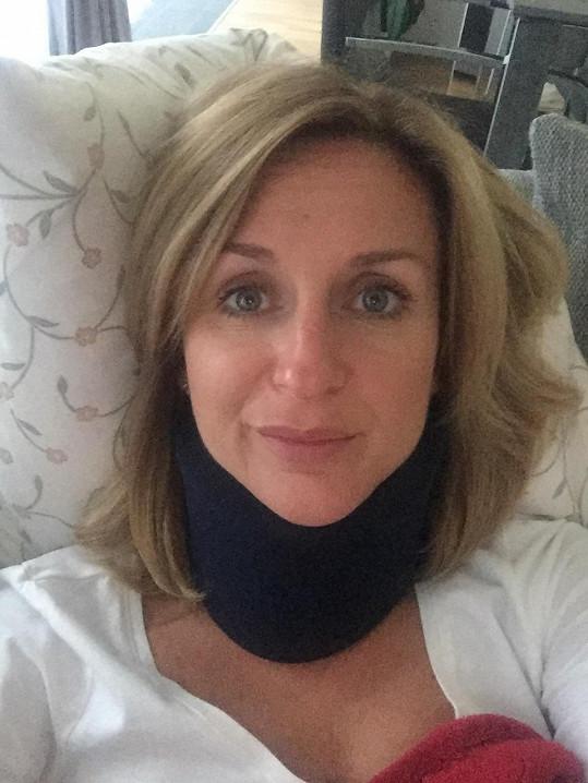 Terezie musí po bouračce musí ortopedický límec.