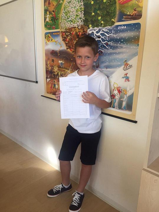 Kristian dostal na konci druhé třídy samé jedničky.