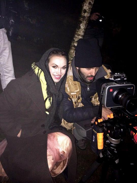Režie a kamery se ujal Vašek Noid Bárta.