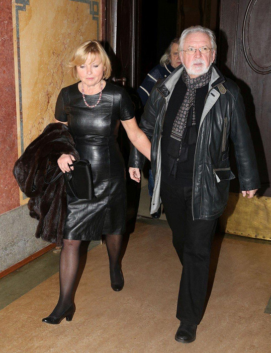 Jaromír Hanzlík si vyšel s partnerkou do kina.