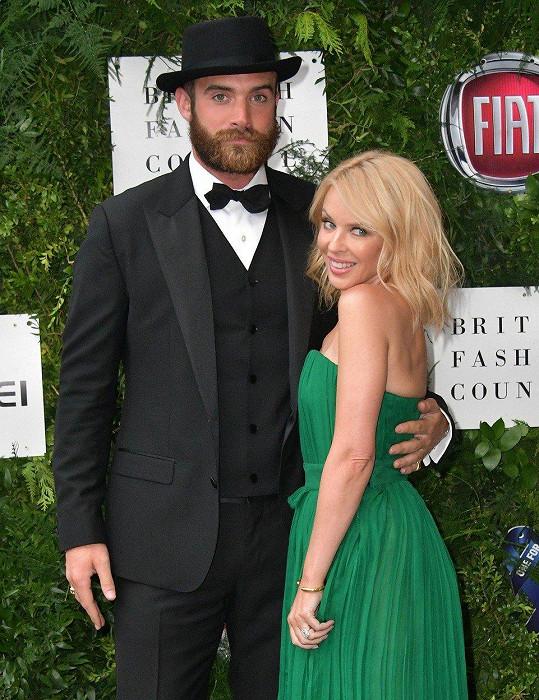 Kylie Minogue se těšila na svatbu s Joshuou Sassem, možná doufala i v založení rodiny, místo toho přišel rozchod.