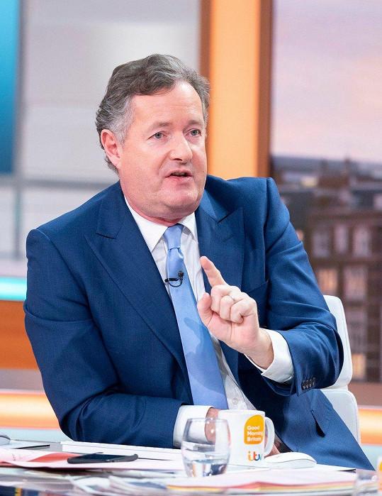 Britský moderátor Piers Morgan neopomněl okomentovat jiskření mezi interprety, jehož si všimlo mnoho diváků slavnostního ceremoniálu.