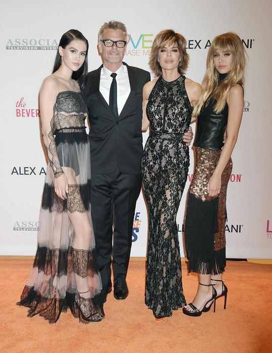 Herci Lisa Rinna a Harry Hamlin se svými krásnými dcerami
