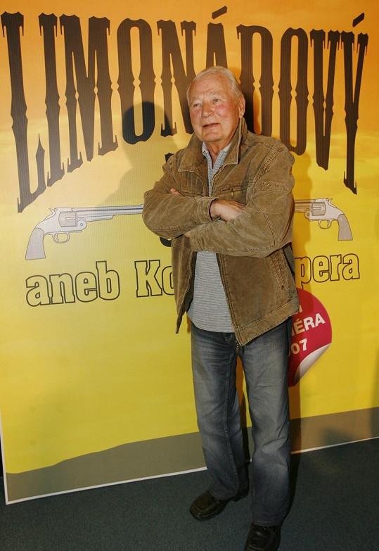 Karel Fiala se proslavil filmem Limonádový Joe.