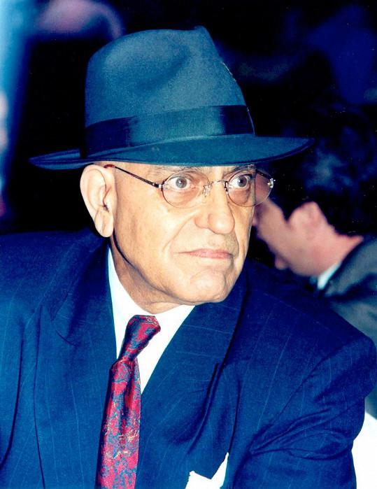 Herec v roce 2005 zemřel po operaci mozku.