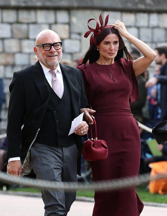 Na svatbě princezny Eugenie je mnoho prominentních hostů. Z řad celebrit například Demi Moore.