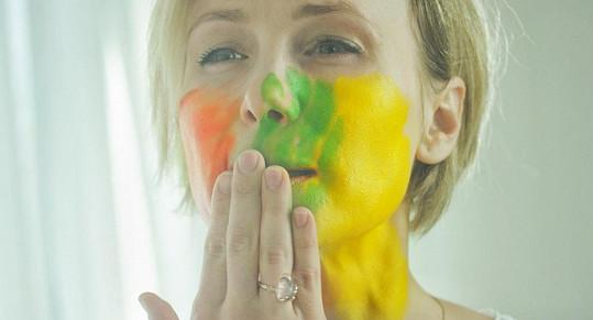 Vlastina se bála, že barvu z tváře nedostane anebo skončí s alergickou reakcí.