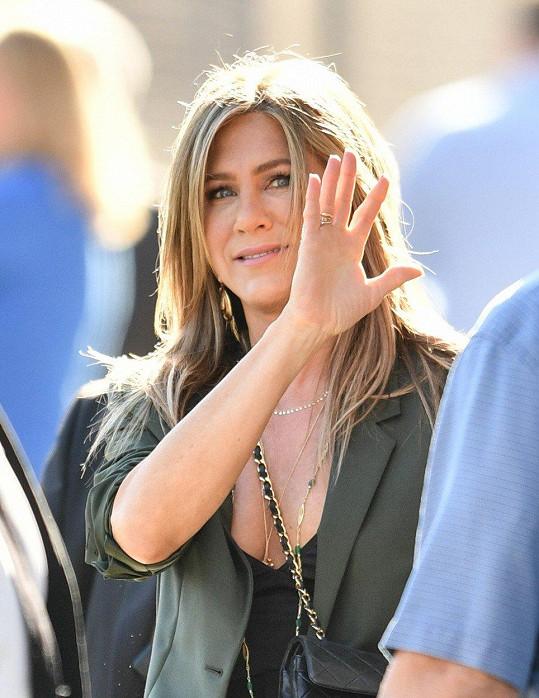 Momentálně Aniston propaguje svůj nový film Murder Mystery.