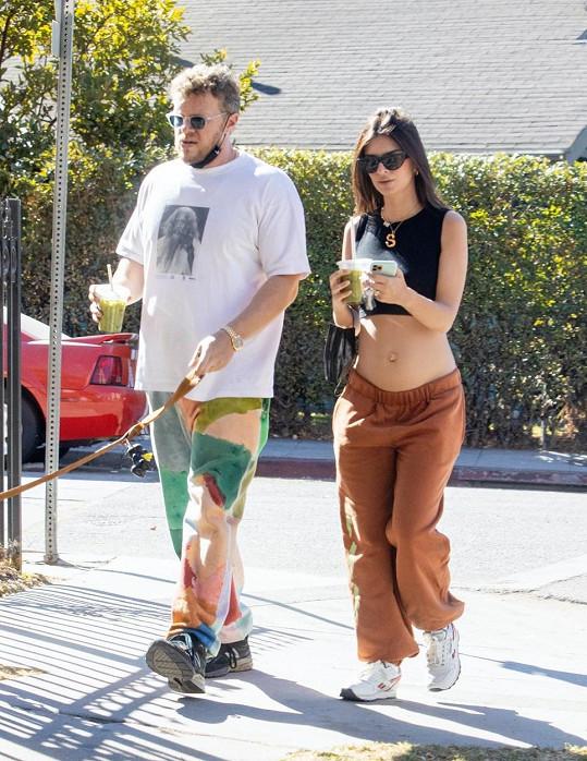 Emily Ratajkowski a Sebastian Bear-McClard se nemohou dočkat prvního děťátka.