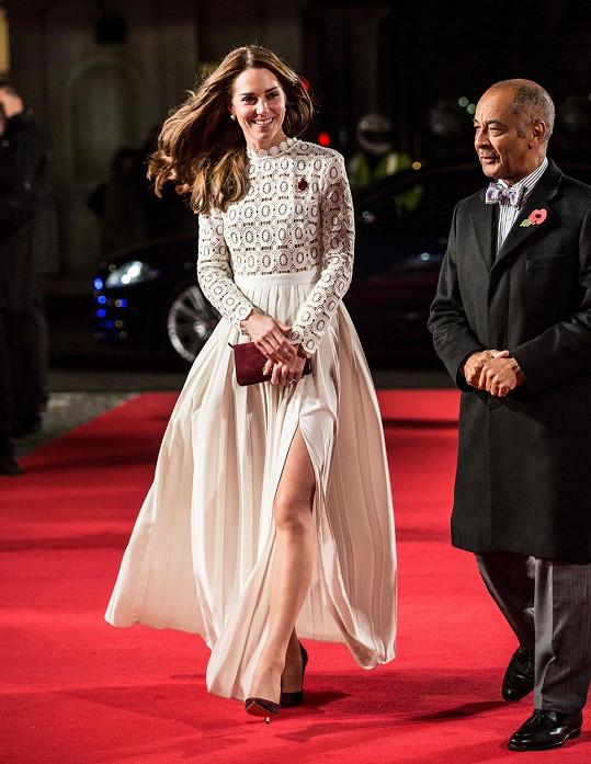 Vévodkyně zavítala na premiéru Kocoura Boba.