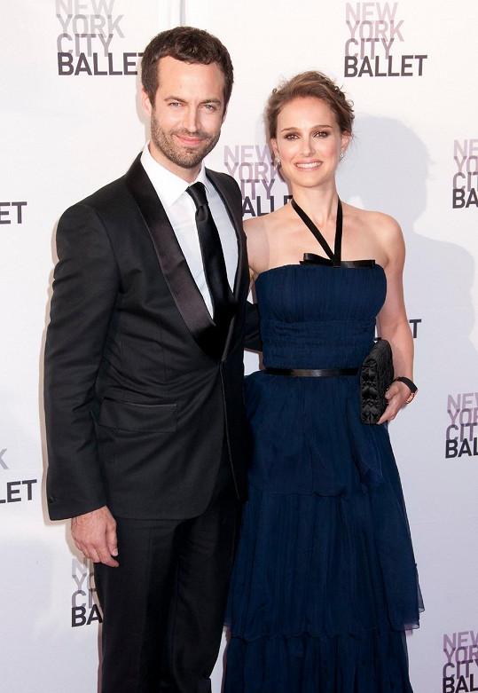 Herečka s manželem Benjaminem Millepiedem.