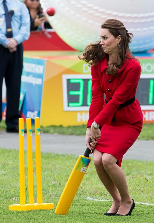 Sport dělá krásná těla a kriket navíc neuvěřitelné grimasy...