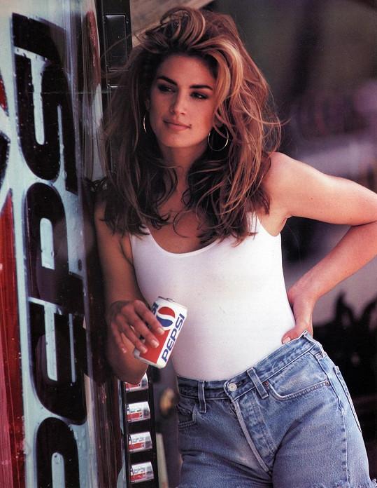 Cindy Crawford v ikonické reklamě z roku 1992