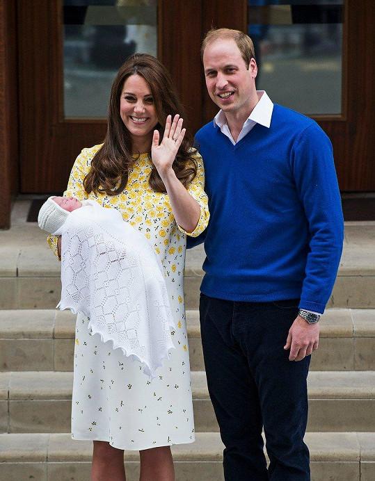 Vévodkyně Kate s princem Williamem přivítali na svět malou Charlotte (2015)