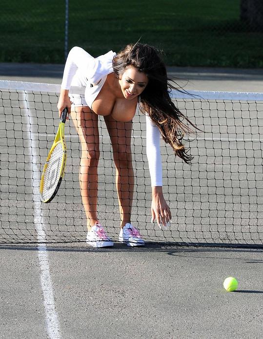 Chloe Mafia provokuje i na tenise.