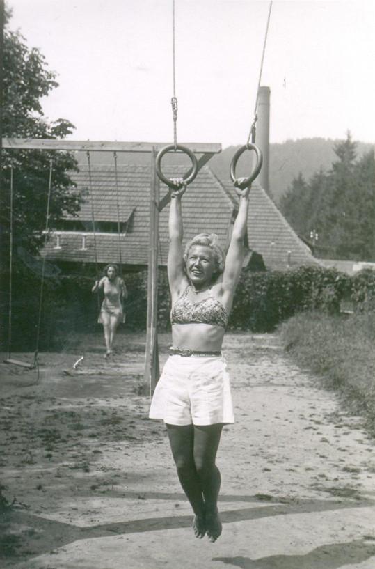 Celý život si udržovala fyzičku, sportovala a tajila datum narození.