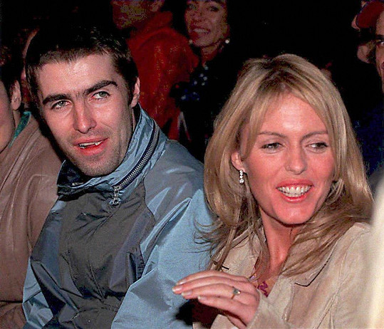 Liam Gallagher a Patsy Kensit v roce 1997