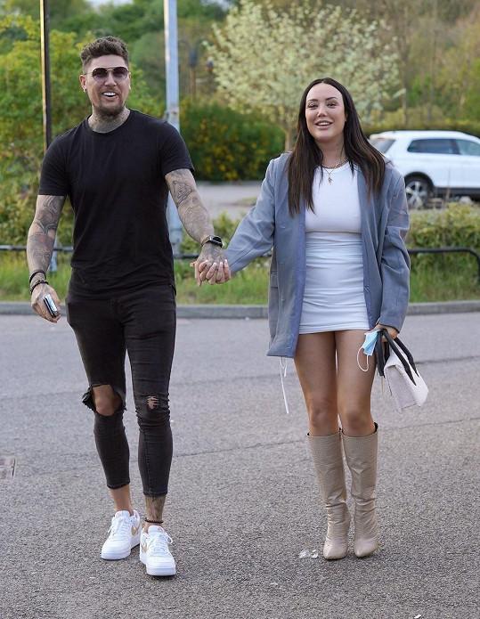 Charlotte Crosby slavila po boku svého přítele Liama.