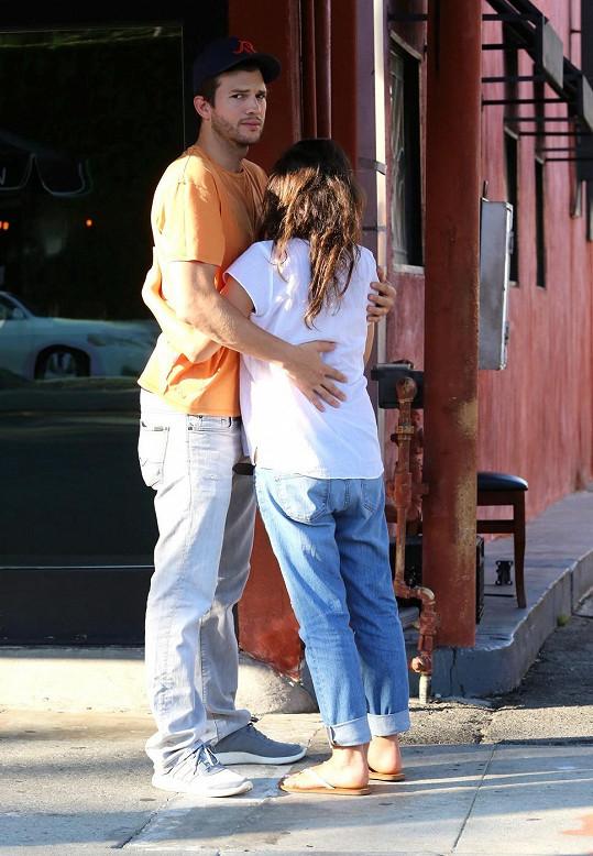 Ashton Kutcher bude brzy tatínkem.