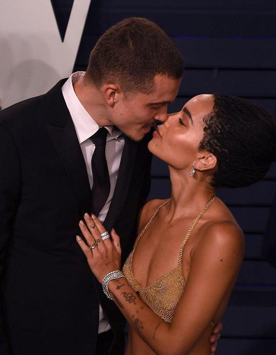 S hercem randí už tři roky a od loňska byli zasnoubení.