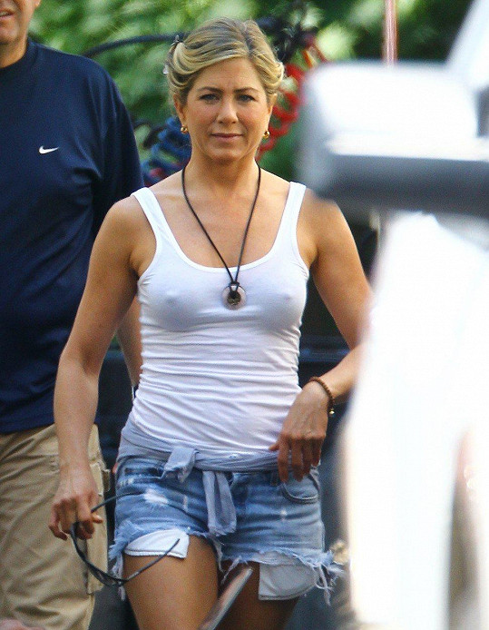 Jennifer Aniston během natáčení filmu Millerovi na tripu