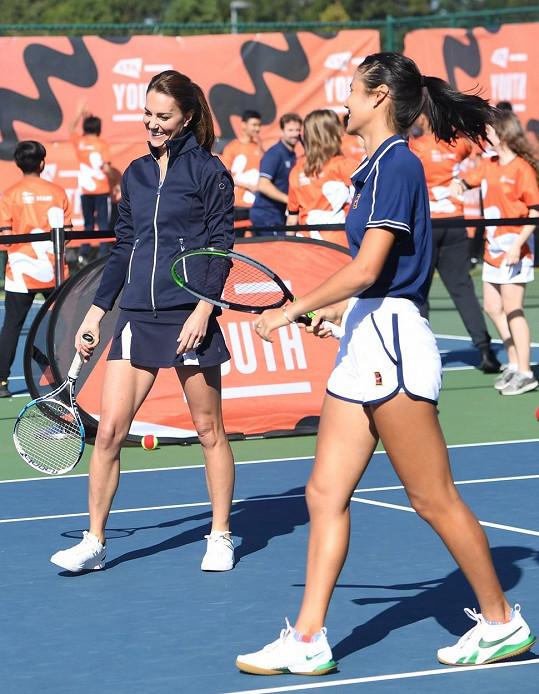 Emma Raducanu je nadějnou hvězdou světového tenisu.