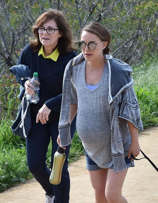 Portman čeká druhé dítě.