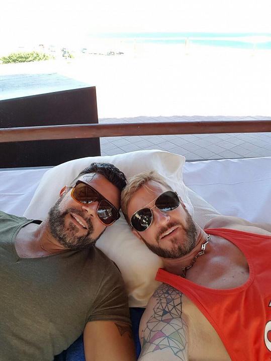 Osmany s Guyem si dovolenou užili.