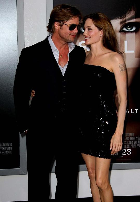 Brangelina na premiéře mysteriózního snímku Salt v Hollywoodu v roce 2010