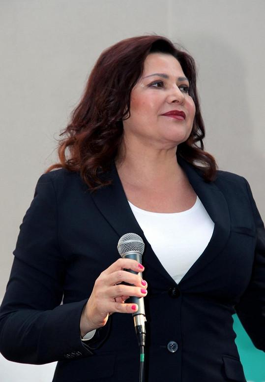 Ilona Csáková zazpívala na narozeninách Českého rozhlasu Region.