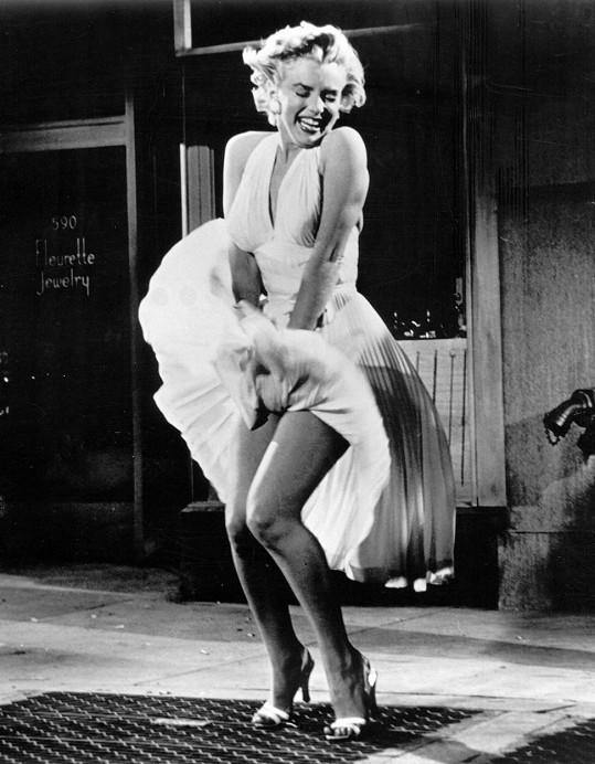 Marilyn Monroe a její ikonický záběr z filmu Slaměný vdovec (1955)