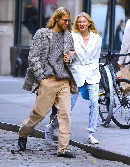 Další modelkou v očekávání je Elsa Hosk, která čeká první dítě s partnerem Tomem Dalym.