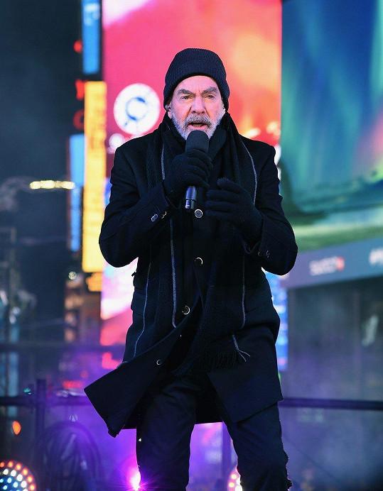 Neil Diamond na novoročním koncertu v New Yorku