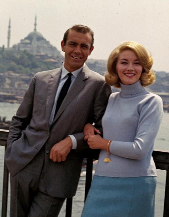 Daniela Bianchi a Sean Connery ve filmu Srdečné pozdravy z Ruska (1963)